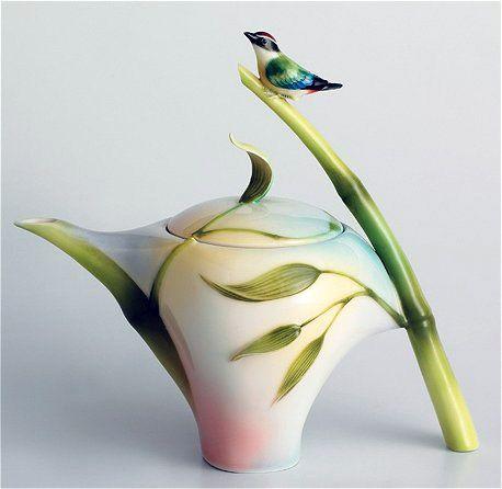Bamboo Song Bird Teapot :: So Pretty