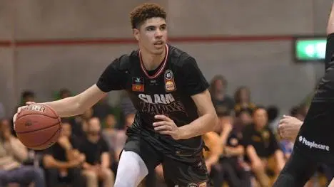 Lamelo Ball Ing His Way To The Top Of Nba Draft Boards The 5 O Clock Shadow Lamelo Ball National Basketball Association Lottery Pick