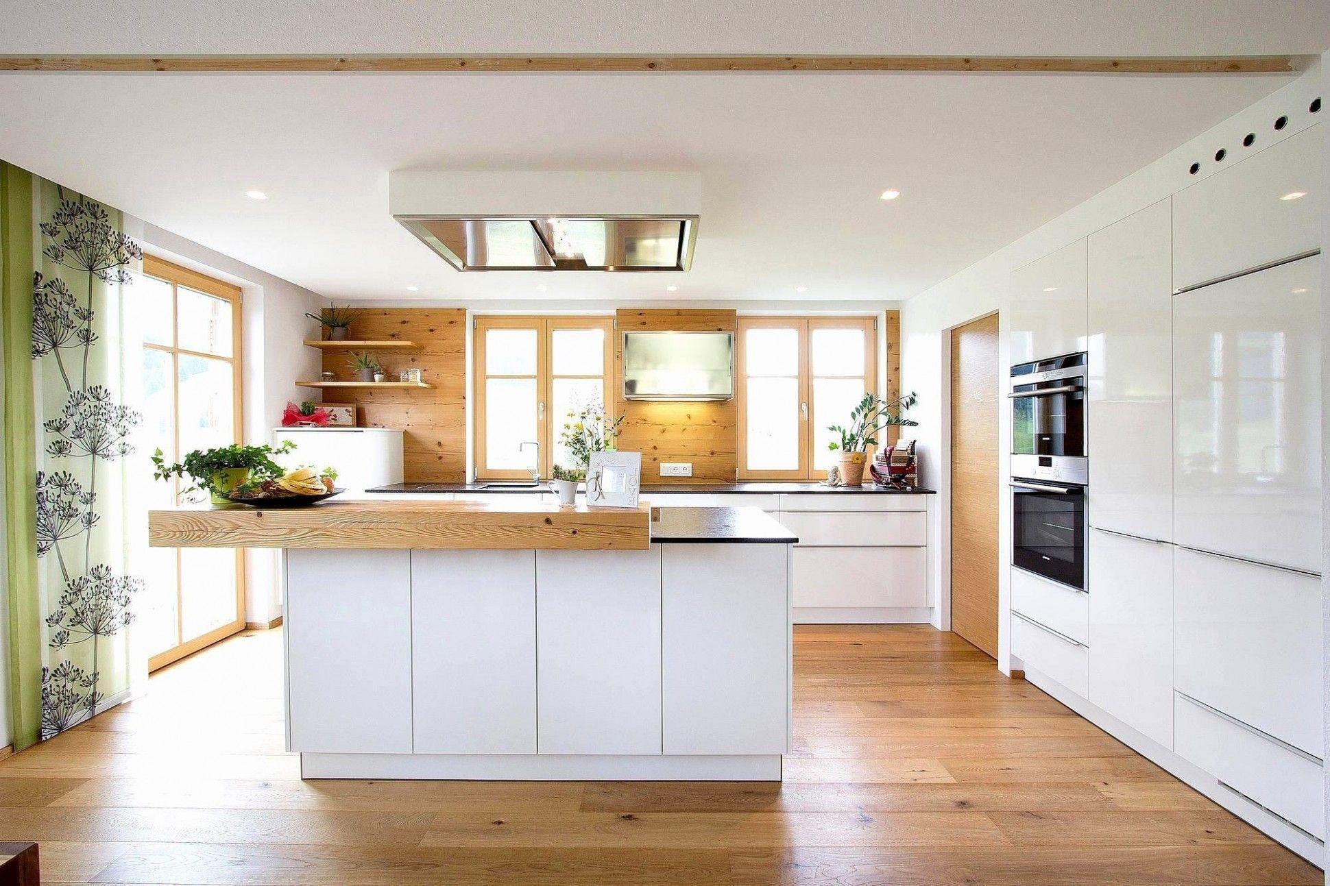 Kuche Weiss Hochglanz Arbeitsplatte Grau In 2020 Classic Kitchen Design Kitchen Kitchen Design