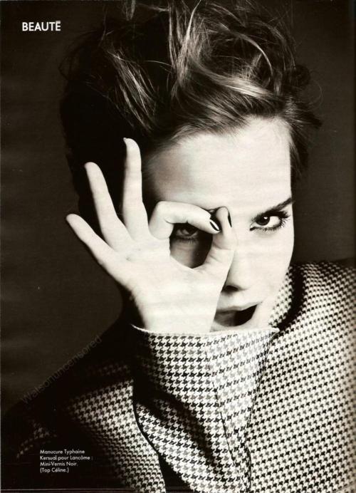 Emma Watson A Ok 666 Hand Sign And One Eye Symbolism Devil Worshiper