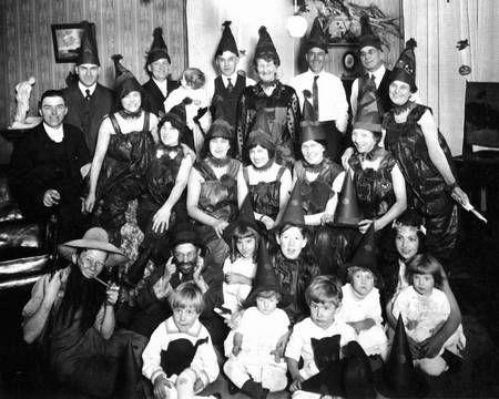 vintage everyday: Creepy Vintage Halloween Costumes from 1800 ...