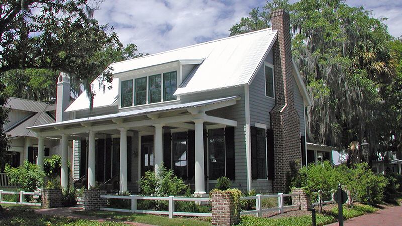 Its Beauty Comes From The Simplicity Of Design Says Designer Eric Moser As The Market Cottage House Exterior Cottage Style House Plans Cottage Style Homes