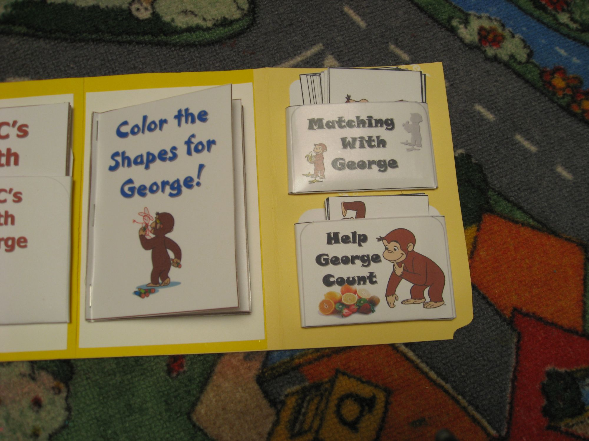 Curious George Totbook
