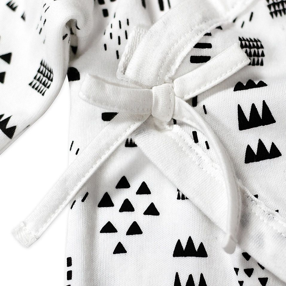 Honest Baby Size 6-9M Pattern Play Organic Cotton Side-Snap Kimono Coverall In White/black - Give your little one a cozy cuddle in this Pattern Play Kimono Coverall from Honest Baby. Crafted of soft 100% organic cotton with a playful print, its comfy wrap closure has side snaps for quick changing.