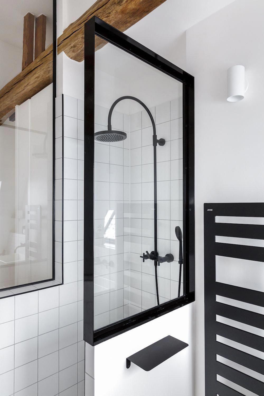 Verrière de salle de bain sur-mesure, réalisée en métal par ...