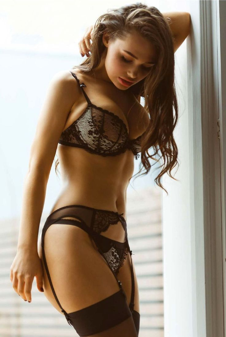 Non node lingerie model