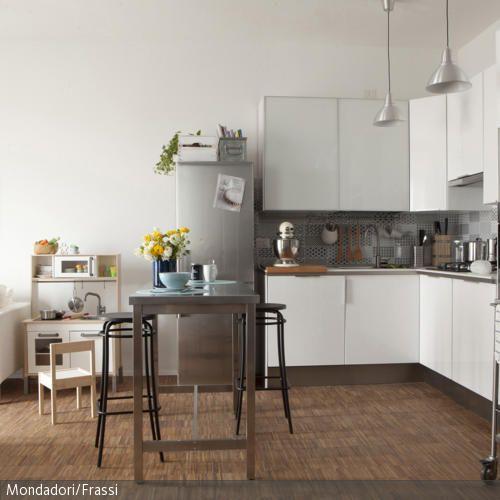 Weiße Küche Vor Weißer Wand Wohnen Pinterest