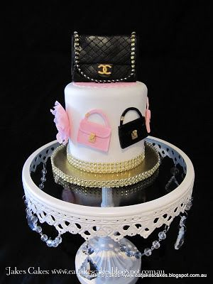 Handbag cake everything handmade and edible except for diamante trim and strap