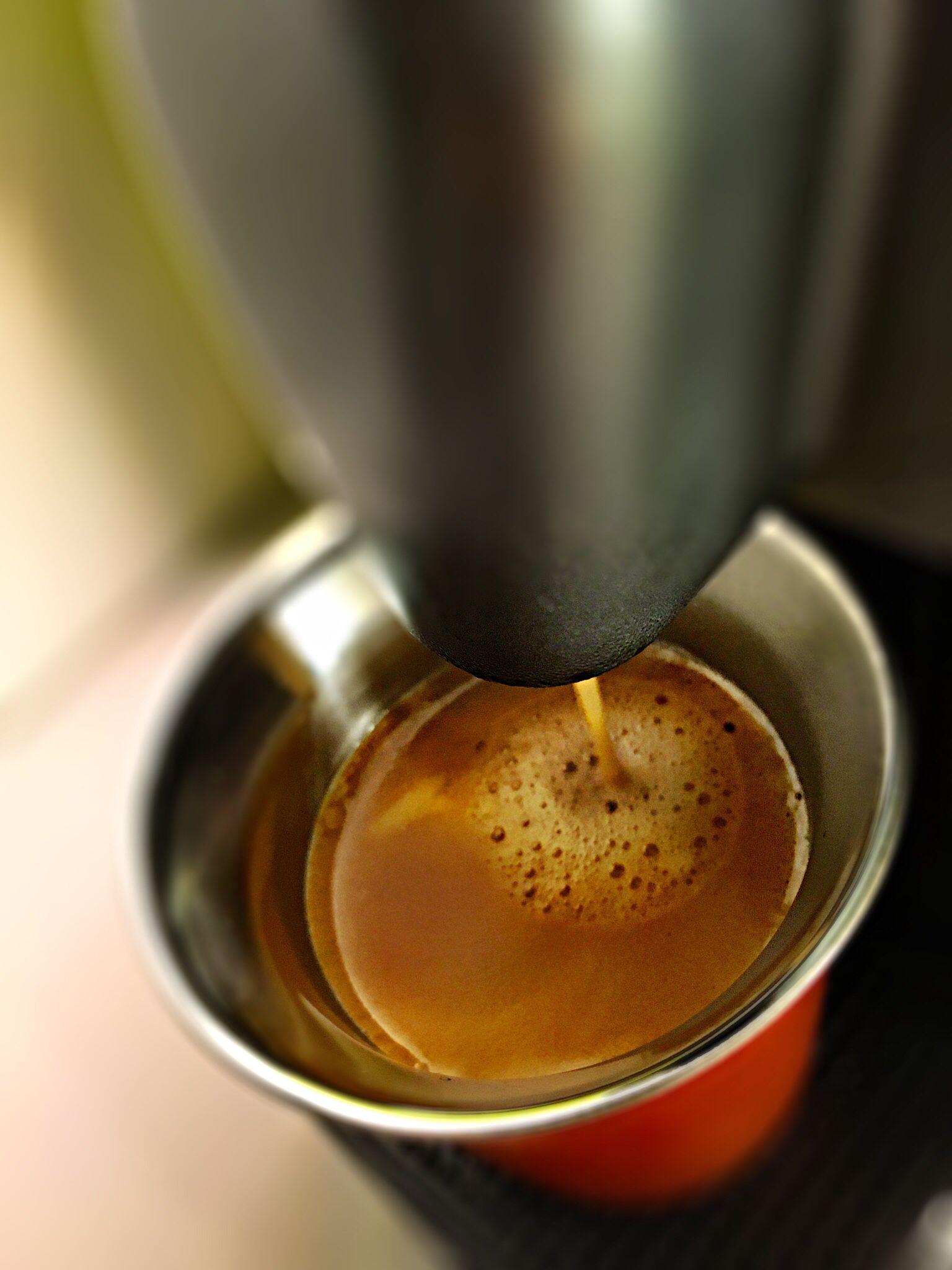 """Guten Morgen…wenn man ein """"Hallo wach"""" braucht ist der #Kazaar #Kaffe von @Nespresso genau das richtige"""