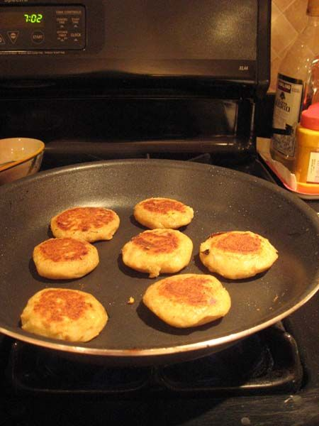 aloo tikki chaat or ragda patties with images chaat recipes food on hebbar s kitchen recipes aloo tikki id=45522