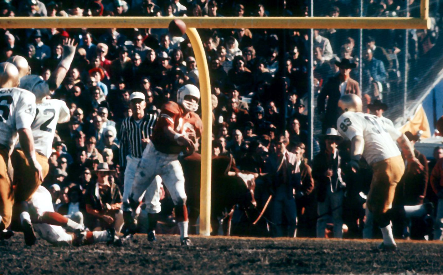 James Street attempts a pass during the 1970 Cotton Bowl