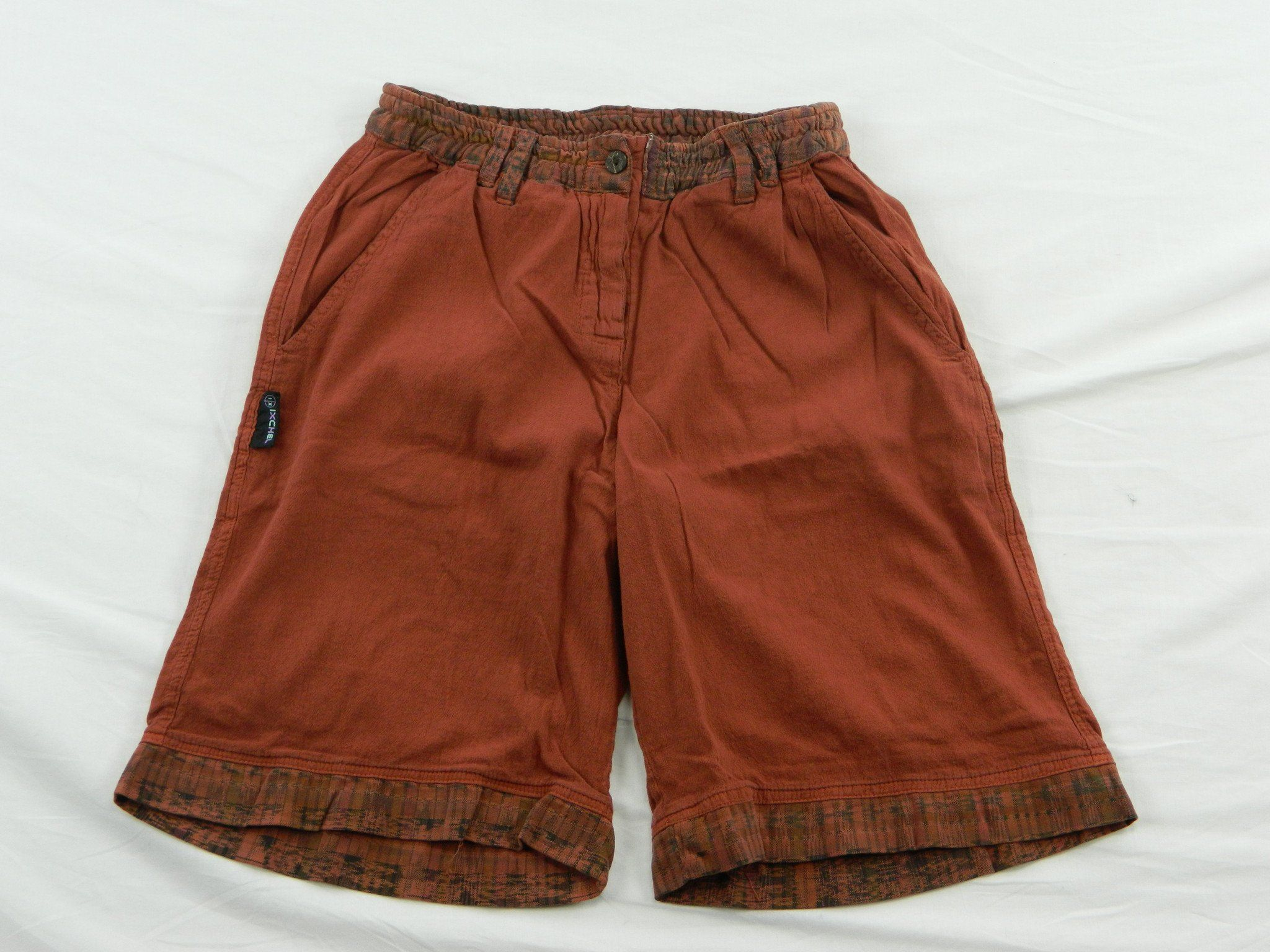 23c8337cbee Women's shorts in garment dyed cotton with hand woven trim ...