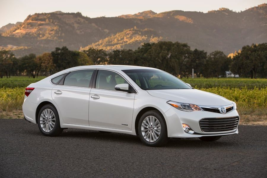 2013 Toyota Avalon Hybrid Review - Just when it seemed Chevy had ...