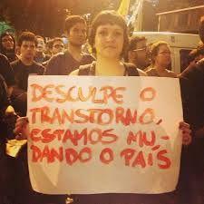 Manifestante em São Paulo com cartaz épico. 14/06/2013.