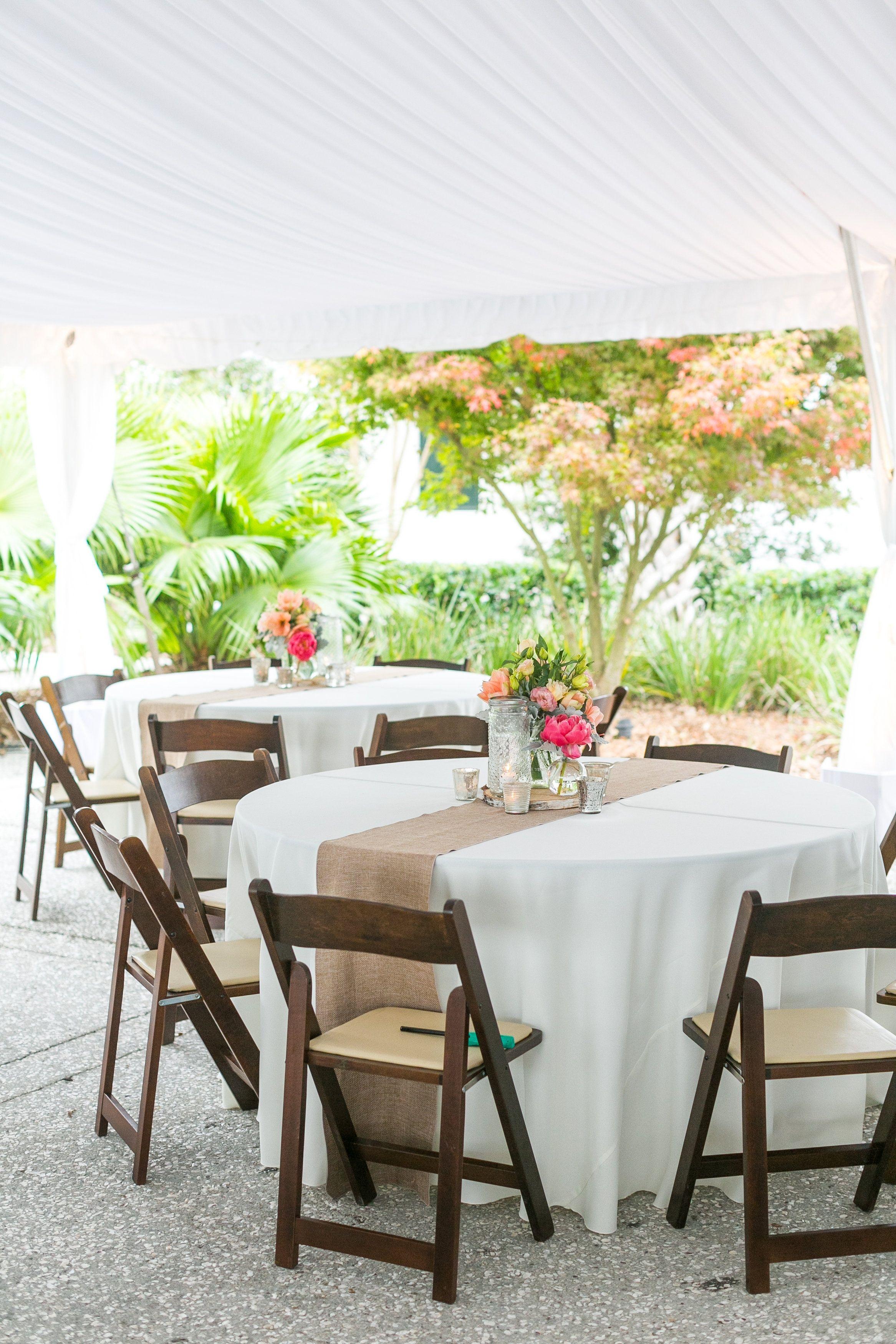 Simple Elegant Reception Tables Decoraciones De Boda Campestre Boda Sencilla Y Elegante Boda En La Piscina