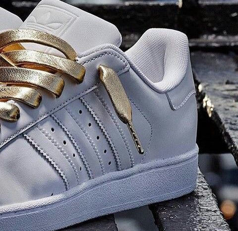 adidas original superstar white with gold lace adidas pinterest schuhe. Black Bedroom Furniture Sets. Home Design Ideas