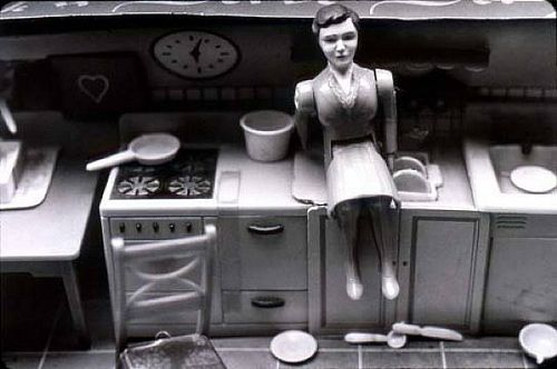 "Laurie Simmons photographer - ""Woman/Kitchen/Sitting"""