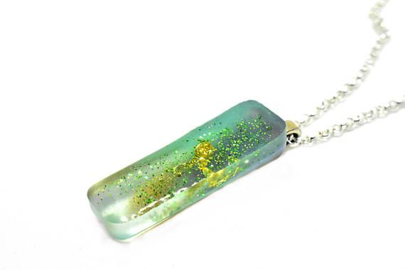 Blue Necklace with Gold Flakes and Glitter / Bar Necklace /  #blue #green #necklace #glodflakes #glitter #barnecklace #marbledresin #coloredresin #resin #resinart #resinjewelry #womansjewelry #fashion #giftforher #thinnecklace