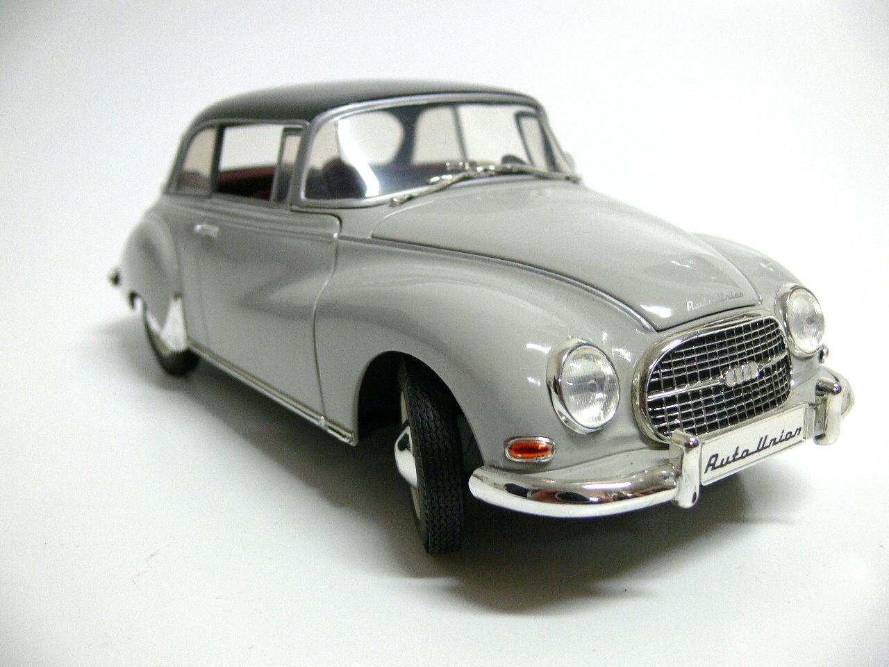 Orginal Revell Standmodell Auto Union 1000 S Farbe. Grau Am Kofferraumdeckel fehlt der Griff  $25.00