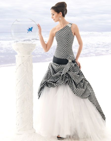 Wow A Checkered Flag Wedding Dress For The Bride With Racing In