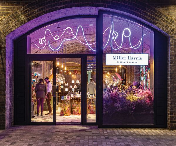 Pin by Retail Focus on Focus on  Shop fronts  45d3b14eeb620
