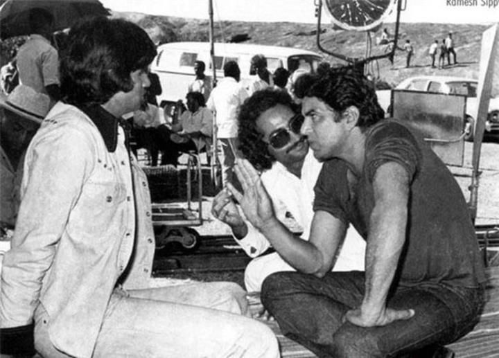 Here's a rare picture of Big B, Dharmendra & Ramesh Sippy on the sets of  #Sholay! | Amitabh bachchan, Rare pictures, Bollywood photos