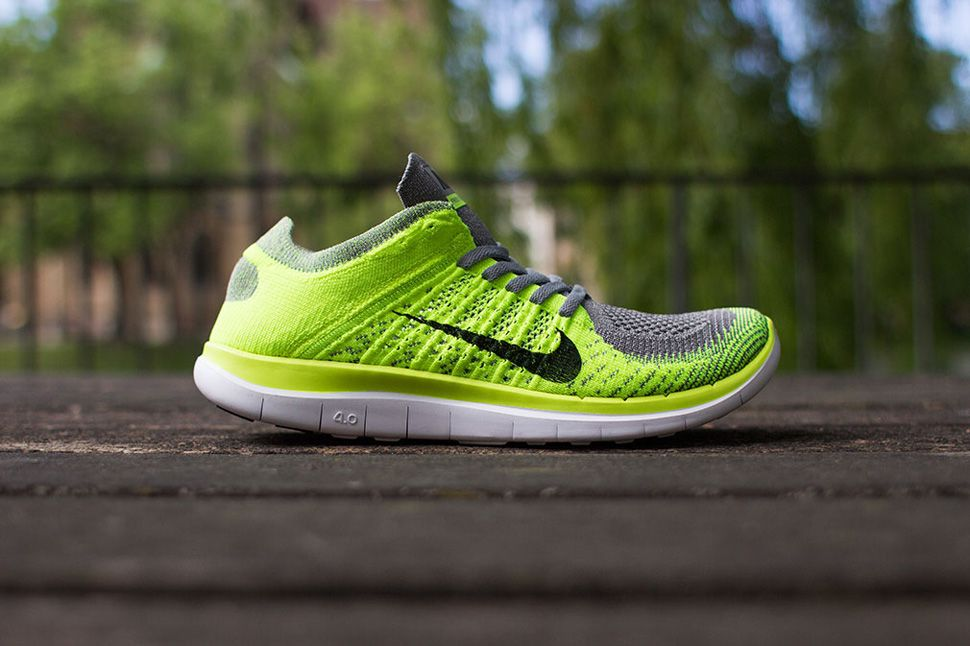 on sale 519f5 787a4 Nike Free 4.0 Flyknit (Light Charcoal   Volt)