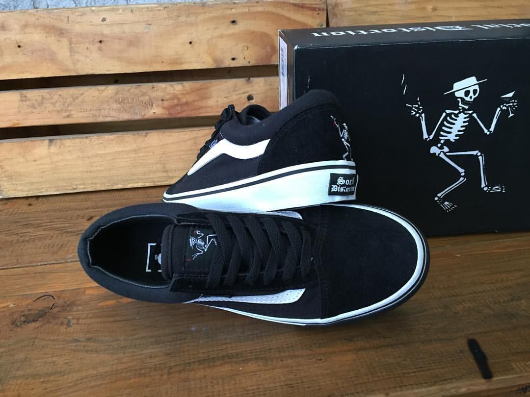 6c74b2522c Vans old skool x social distortion 40
