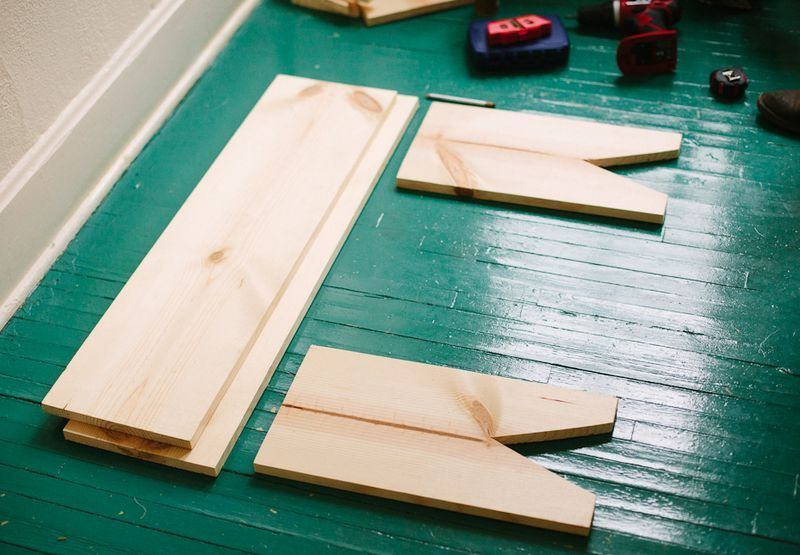 Wooden bench diy  4 simple pieces screwed together  love it Wooden bench diy  4 simple pieces screwed together  love it    DIY  . Make Simple Wood Bench. Home Design Ideas