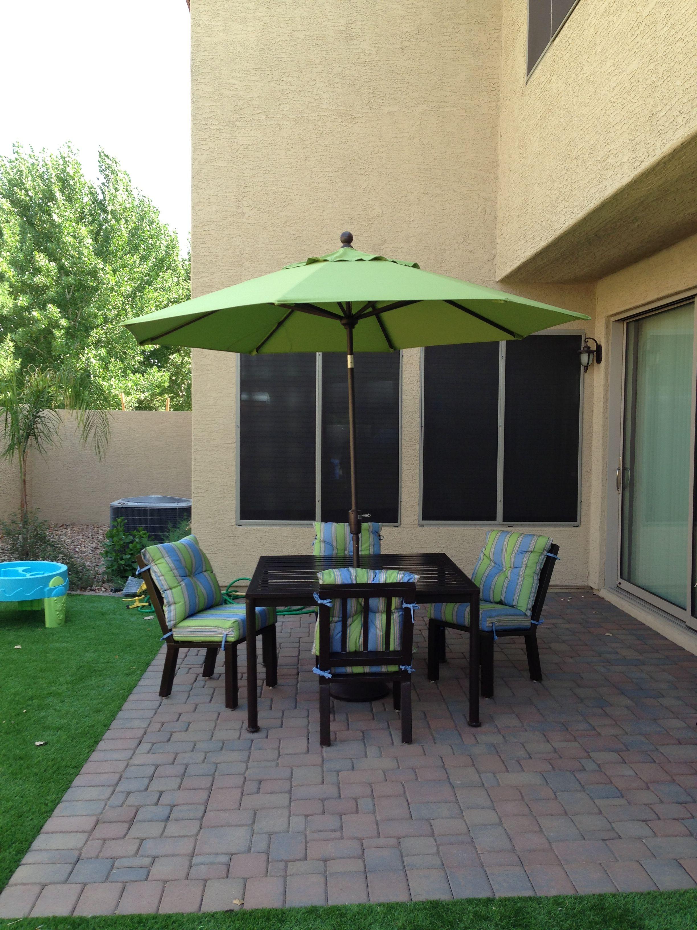 Charmant Umbrella In Dining Set