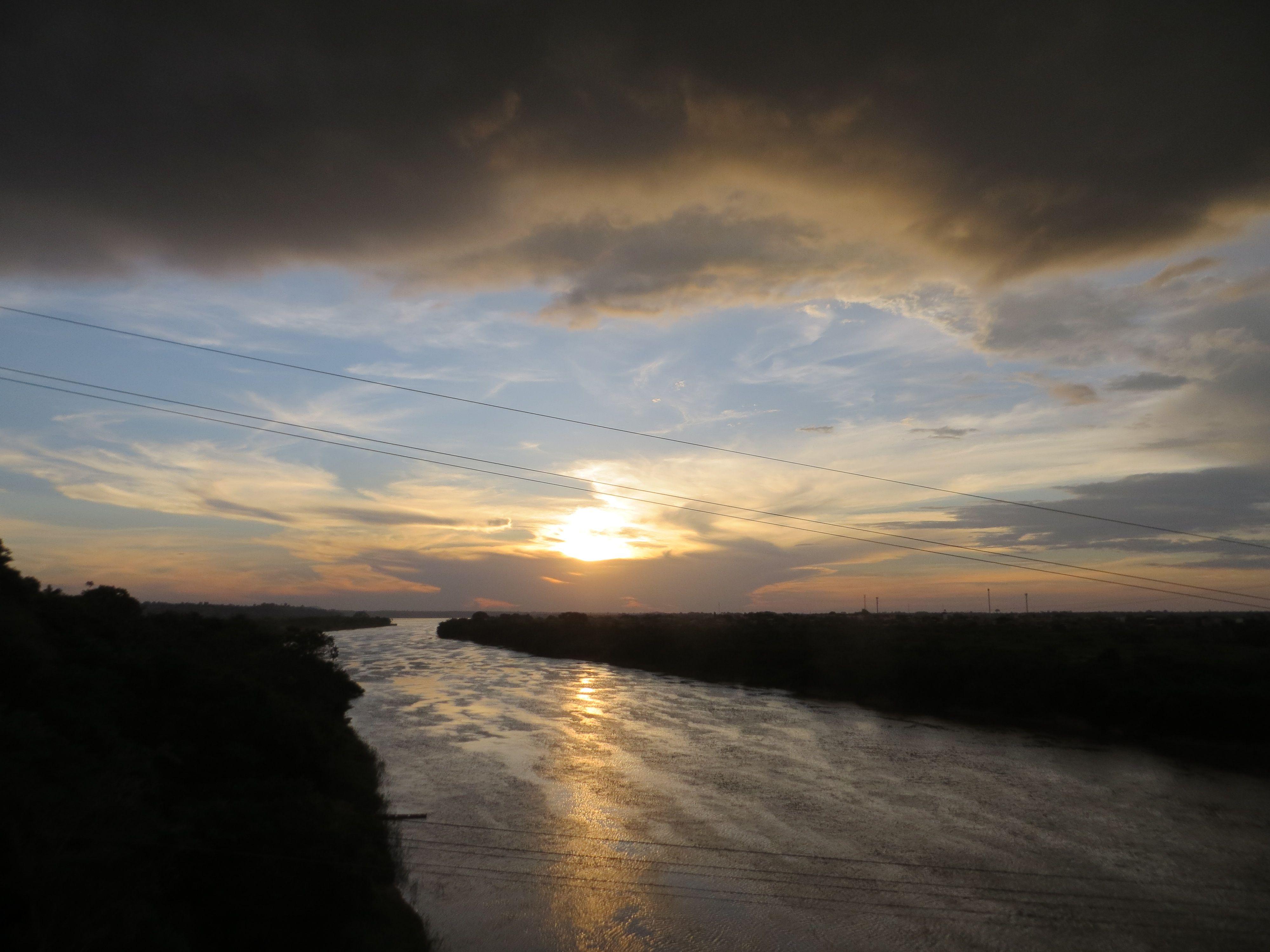 Rio Itacaiúnas, e ao fundo o Rio Tocantins, Marabá, Pará, Brasil 5 21 28 S 49 7 22 W