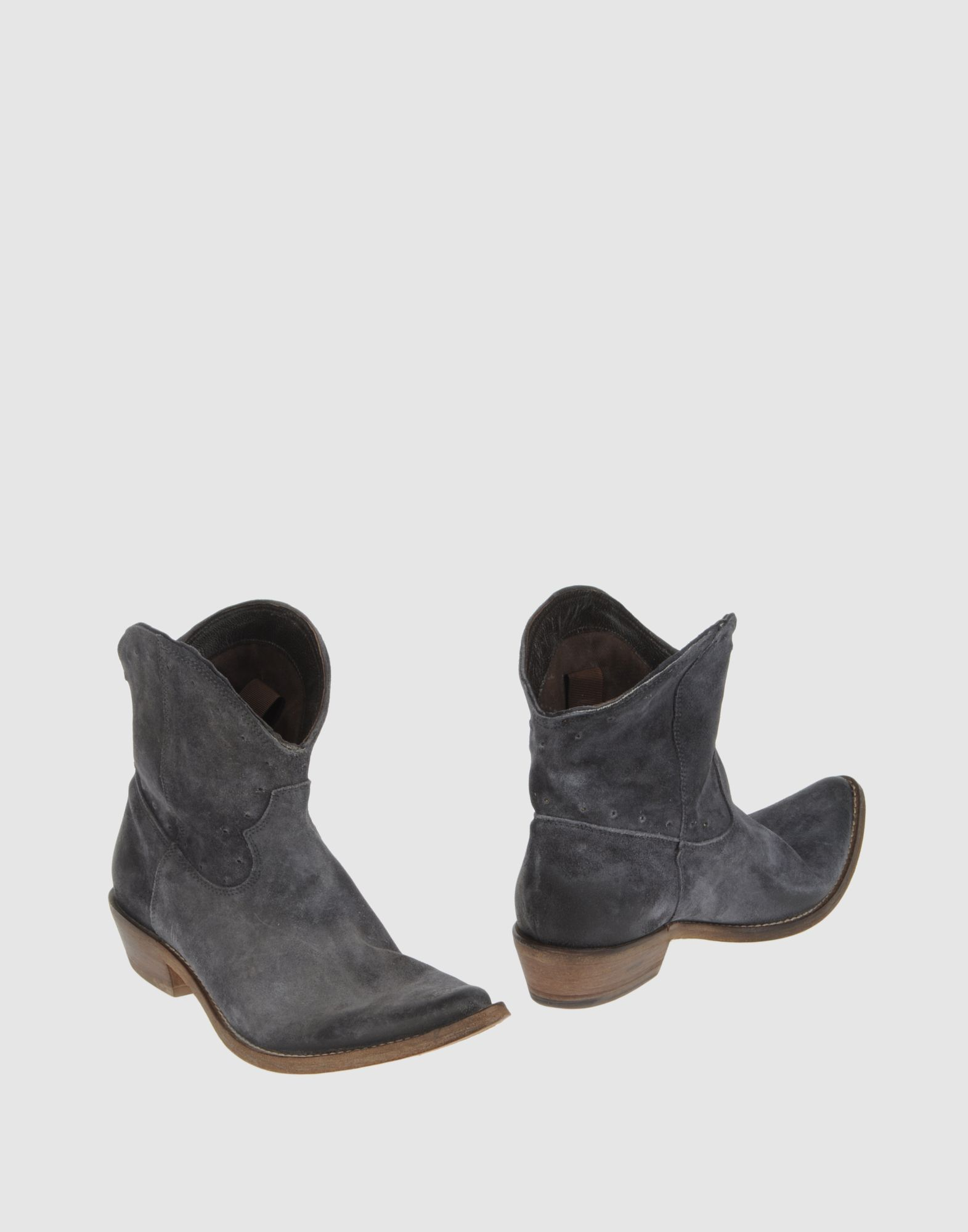 Sale Enjoy FOOTWEAR - Boots Strategia Clearance For Cheap f7H8I0C
