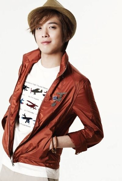 Visit www.kpopcity.net for the biggest KPOP fashion store in the world!! Jung Yong Hwa cute boy with brown Hat and Maroon Jacket