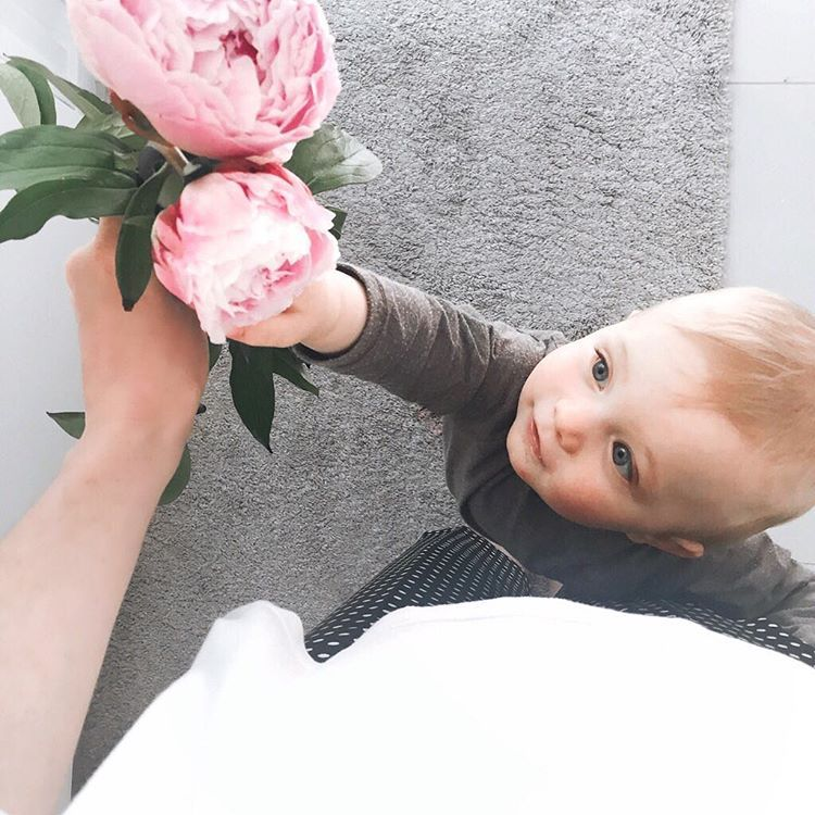 """It took a week for my peonies to bloom I was afraid they wouldn't open but they just reminded me that it takes time for beautiful things to happen. """"Great things will happen to those who wait"""" ��Have a cozy night instafriend �� . . . . . . #peonies #flowers #womoms #flowerstagram #flowersofinstagram #flowerslovers #flower #flowermagic  #pursuepretty #pretty #beautiful #floral #floweroftheday #blooms #blossom #ig_kids #beautifulkids #instablooms #momofinstagram #bloom #florals #petal #summer…"""