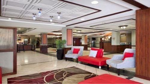 Hotel Deal Checker   Wyndham Garden Hotel Newark Airport