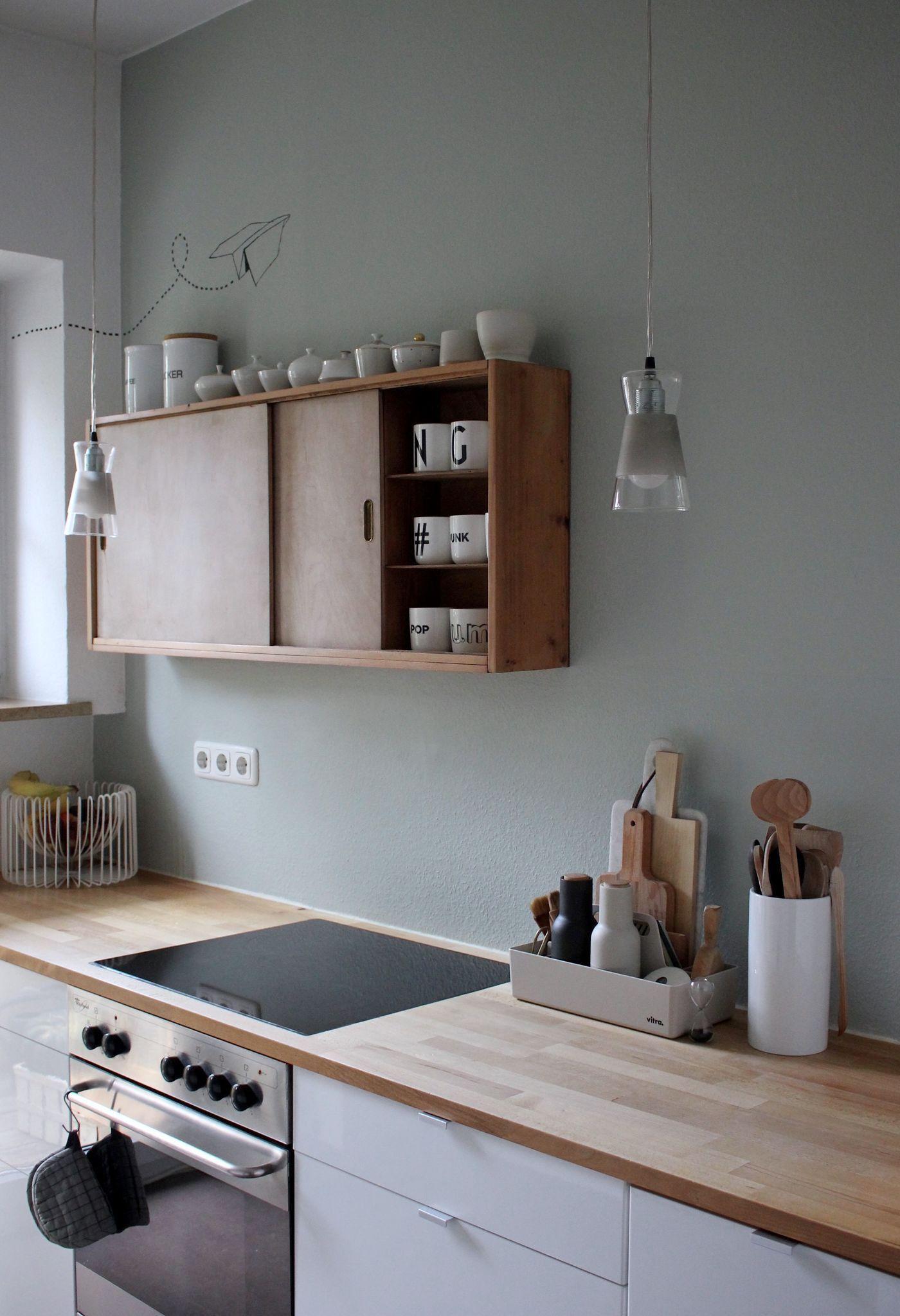 Kuche Wandfarbe Inspirational Schone Ideen Fur Wandfarbe In Der Kuche Holzarbeitsplatte Salbeigrune Wande Kuchen Streichen