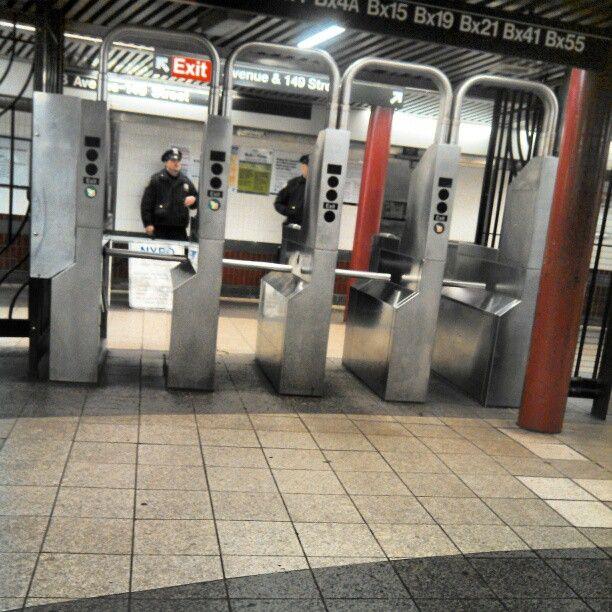 MTA Subway 3rd Ave/149th St (2/5) New york, York, Four