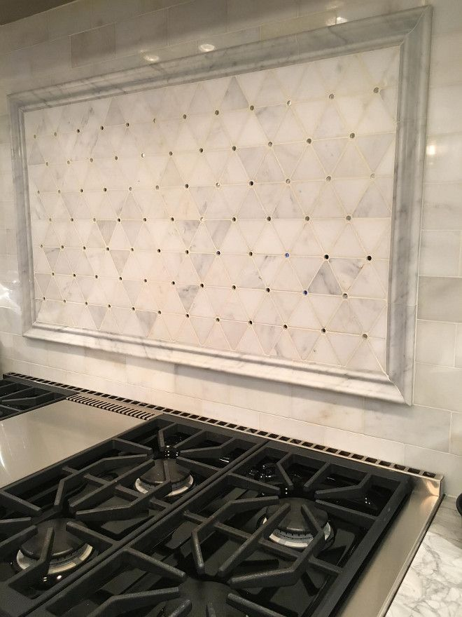 Charmant Range Backsplash. Hood Mosaic Marble Detail: Honed Carrara And Mirror  Inserts By Porcelanosa. #RangeBacksplash #Backsplash #range Beautiful Homes  Of ...