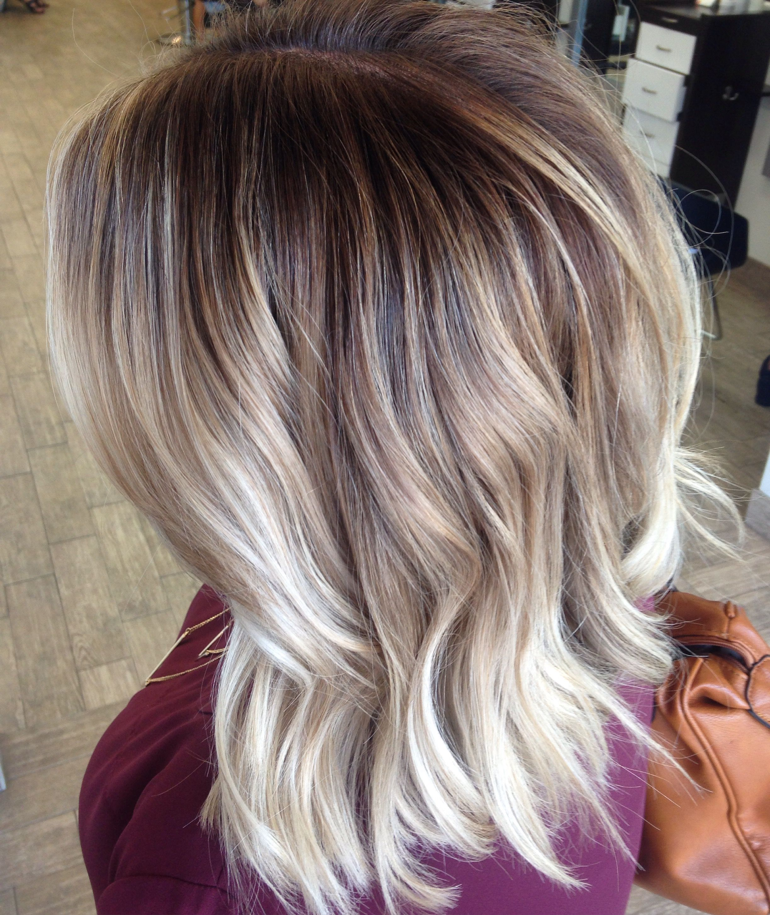 rooted blonde | haare | pinterest | mittellange haare, strähnen and