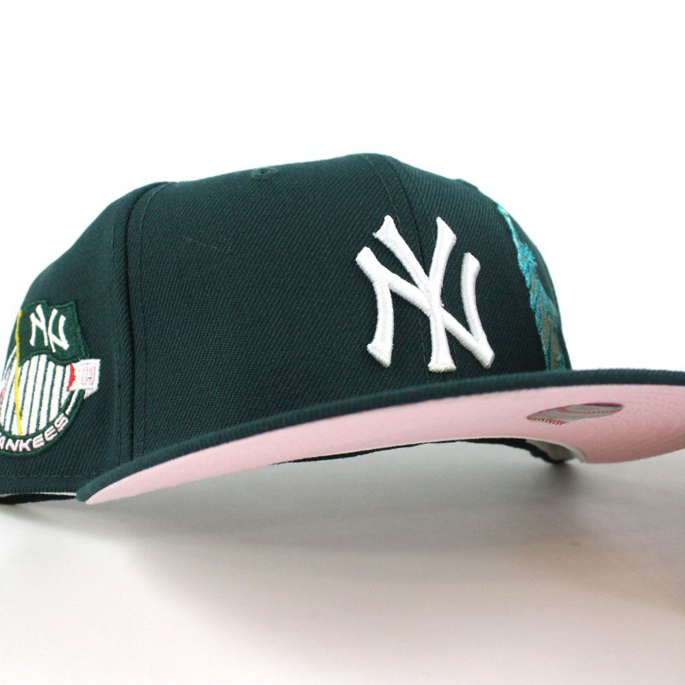 Newyorkyankees Apple Statueofliberty Fitted 59fifty Neweracap In Green Pinkunderbrim Fitted Hats Fitted Caps Aesthetic Hats