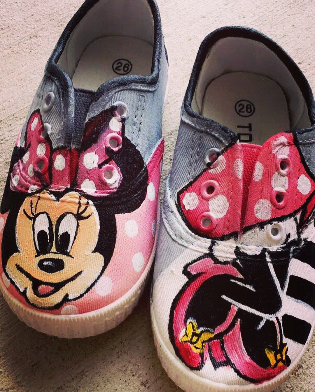 648a1ebd259bf Disney Character Shoes, kids Converse, minnie mouse shoes, mickey ...