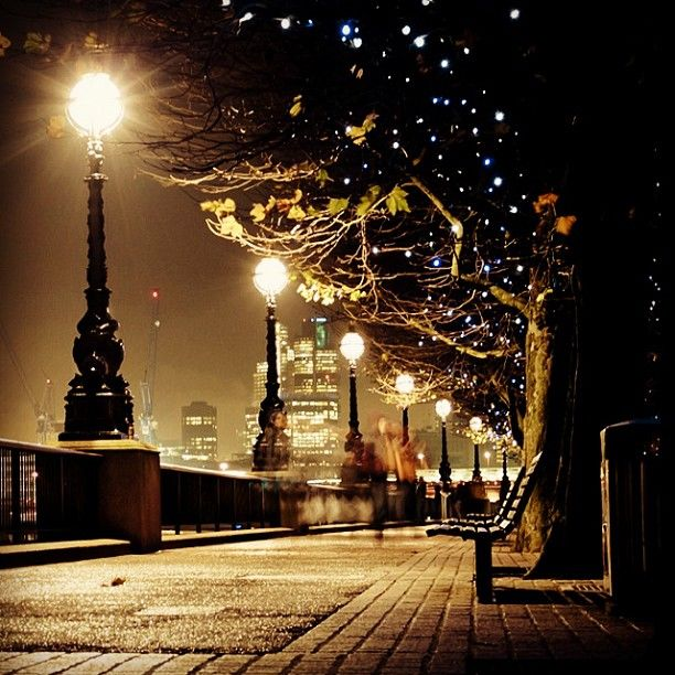 A Rainy Day In New York Bern Mafo7 S Photo New York Christmas Walks In London Beautiful Places