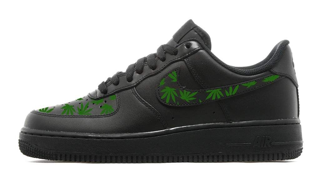 Pin by NALIYAH OCHIENG on Customize air force one's | Nike