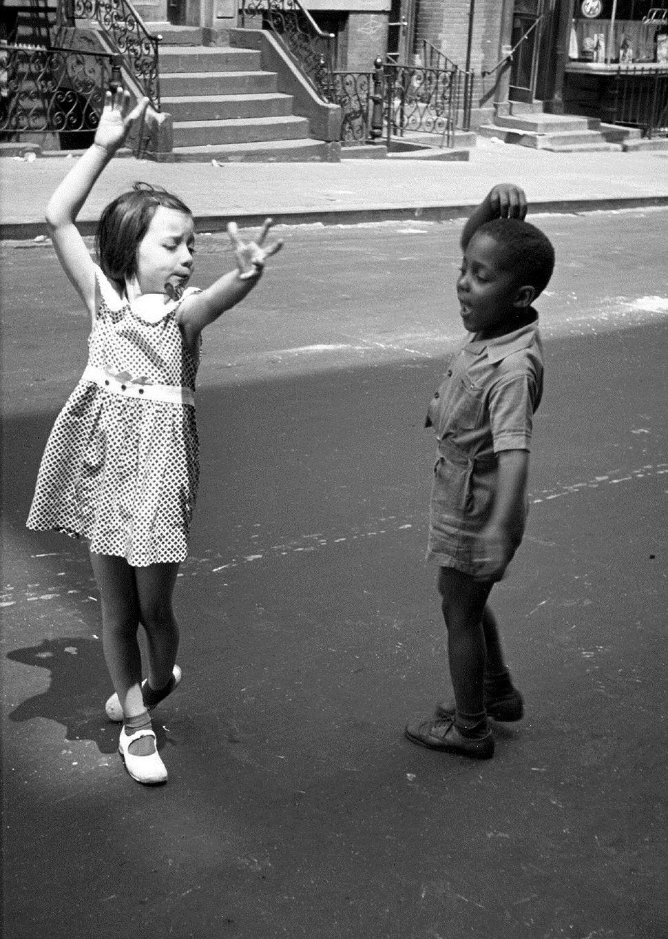 Photo by helen levitt new york 1940