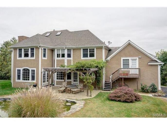 http://www.randrealty.com/NY/Property/1885222/15-Meadow-Hill-Court-Thornwood-NY-10594/