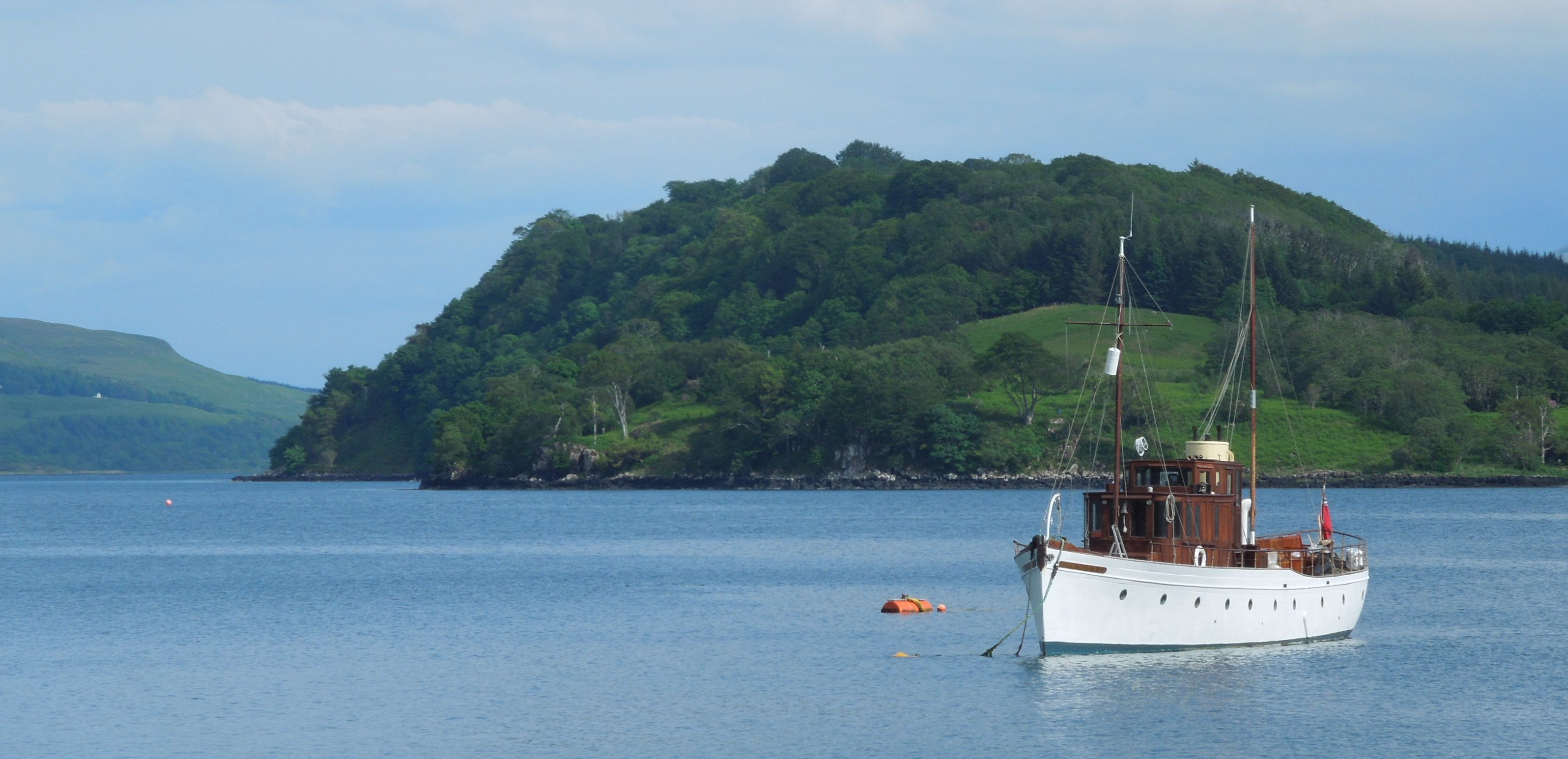 Moored just offshore at Salen