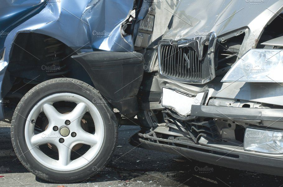 Two Cars Crashed Car Accident Injuries Accident Injury Car Accident Lawyer
