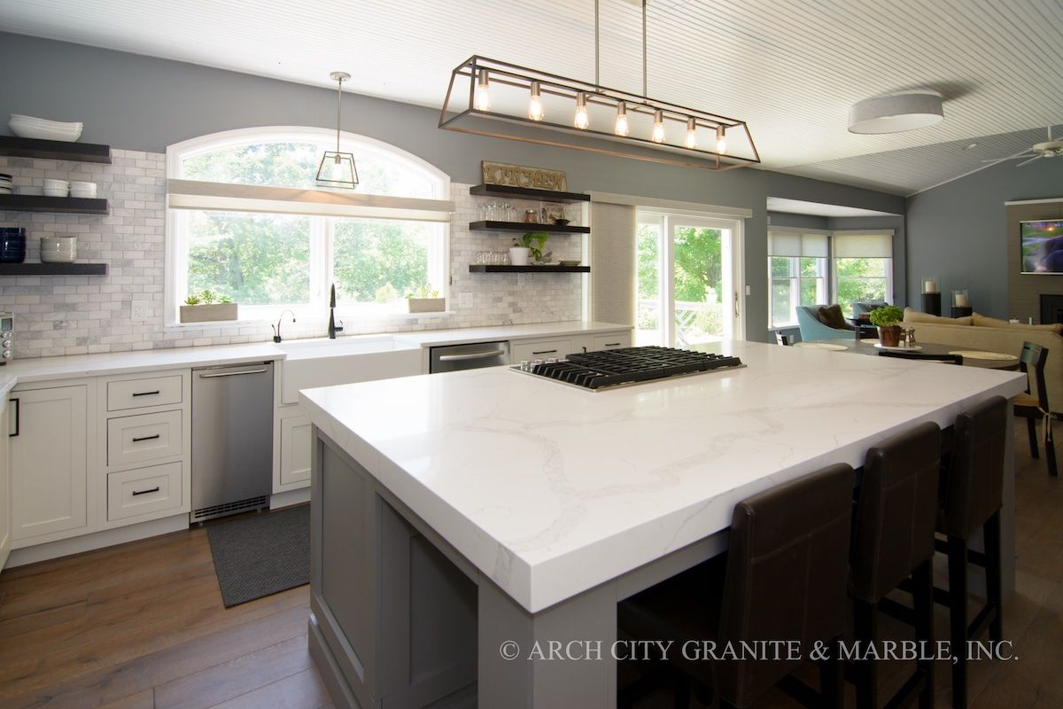 The Most Popular Quartz Countertop Colors In 2018 Quartz Kitchen Countertops White White Kitchen Renovation White Quartz Countertop
