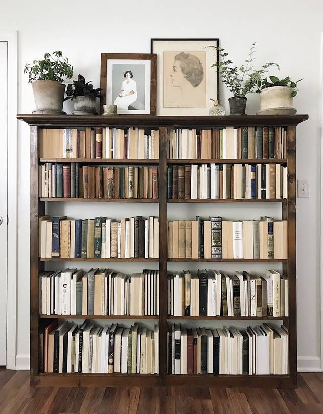 The Great Bookshelf Debate of 2018: Spine In or Ou