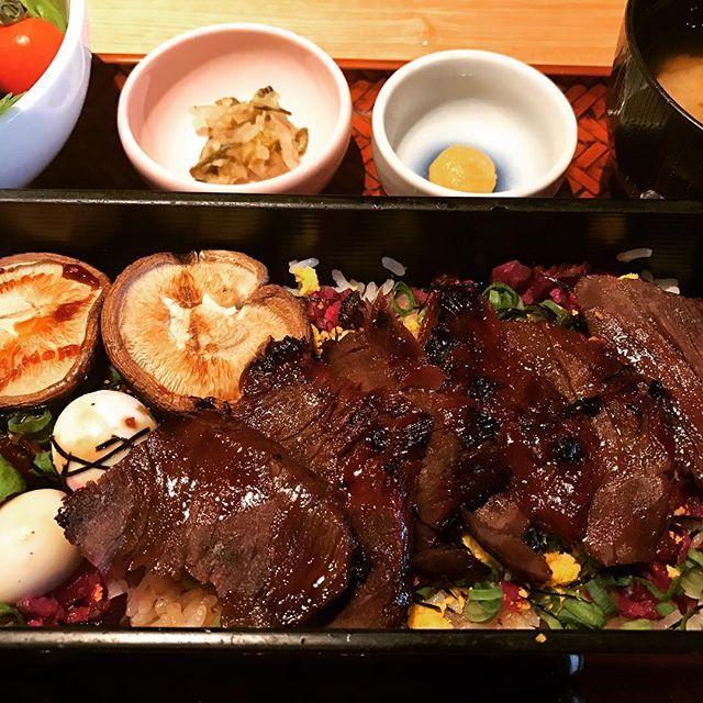 牛ザガリ重  #japan #牛肉#日本#japan#料理#食事#肉